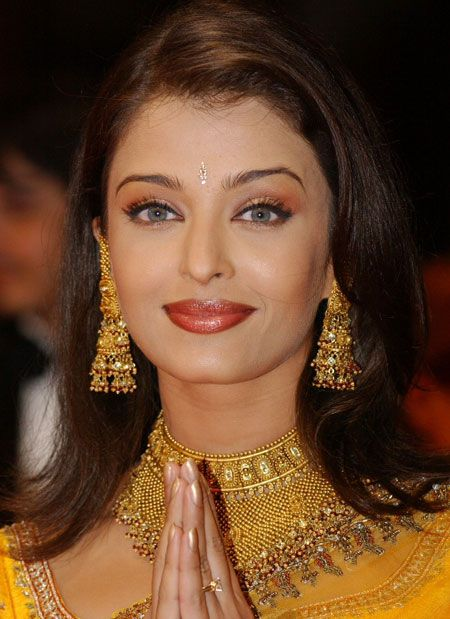 aishwarya rai maquillage traditionnel indien
