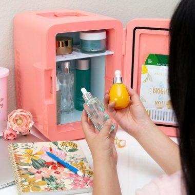 Le mini frigo cosmétique : la tendance du moment
