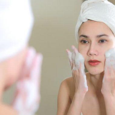 Pores de la peau : resserrer et nettoyer de manière naturelle