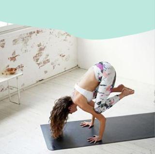 // YOGA // 😍🤸♀🙃 . . 🇫🇷 Un des nombreux bénéfices du Yoga, c'est d'améliorer la confiance en nous. Il permet de nous découvrir et de révéler notre potentiel, de se sentir de plus en plus à l'aise avec notre corps. . . 🇬🇧 One of the many benefits of Yoga is to improve self-confidence. It allows us to discover and reveal our potential, to feel more and more comfortable with our body. . . #mawena #organicskincare #greenbeauty #cleanbeauty #naturalbeauty #veganbeauty #cosmetiquenaturelle #cosmetiquebio #yoga #relaxation #wellbeing #pinkfeed #yogagoals #yogainspirations #yogalife #healthylife #shanti #positivevibes