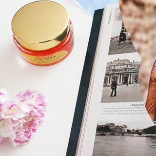 // MAWENA & CO // 🌸 . . 🇫🇷 Profitez d'un moment cocooning avec Rose Papaya 😍 . . 🇬🇧 Enjoy a cocooning moment with Rose Papaya 😍 . . #mawena #veganbeauty #organicskincare #greenbeauty #cosmetiquenaturelle #naturalbeauty #vegancosmetics #pinkfeed #indiebrand #confidentbeauty #beautenaturelle #greenliving #ecobeauty #nontoxicbeauty #beautéengagée #ethicalbeauty #ethicallymade
