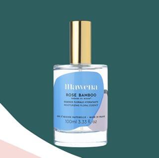 // RITUEL DE BEAUTE // 🧖♀️🌸 . 🇫🇷 Le layering - Etape 3 : la lotion . Cette essence florale hydratante Rose Bamboo est une brume hydratante très légère qui va hydrater la peau et la repulper grâce à de l'acide hyaluronique. . Elle aide également à diminuer l'apparence des pores, à unifier le teint et à apporter de l'éclat à la peau. Elle offre une sensation de confort, rafraîchit grâce à sa délicieuse senteur florale et protège la peau contre les éléments. . 👉 Vous aussi vous trouvez que le spray est bien pratique, quand vient le moment d'appliquer sa lotion ? Si oui, levez la main 🙋♀️ . . 🇬🇧 Layering - Step 3: the lotion . This moisturizing floral essence Rose Bamboo is a very light moisturizing mist that will moisturize and plump the skin with hyaluronic acid. . It also helps to reduce the appearance of pores, to even out the complexion and to bring radiance to the skin. It offers a feeling of comfort, refreshes thanks to its delicious floral scent and protects the skin against the elements. . 👉 If you too find that the spray is much more convenient when it comes time to apply lotion, raise your hand 🙋♀️ . . #mawena #veganbeauty #organicskincare #greenbeauty #cosmetiquenaturelle #naturalbeauty #vegancosmetics #instafeed #indiebrand #confidentbeauty #beautenaturelle #greenliving #ecobeauty #nontoxicbeauty #beautéengagée #ethicalbeauty #ethicallymade #layering #beautyritual #rituelbeaute #inclusivebeauty