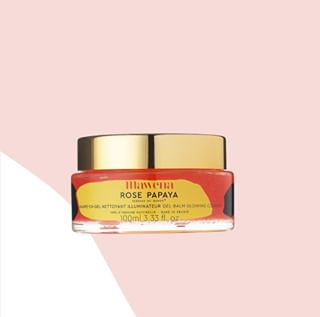 // RITUEL DE BEAUTE // 🧖♀️🌸 . 🇫🇷 Le layering - Etape 2 : le nettoyage . Le gel-baume nettoyant illuminateur Rose Papaya nettoie quotidiennement les pores en éliminant l'excès de sébum, les peaux mortes et la pollution, tout en maintenant l'hydratation de la peau. Le grain de peau est affiné et la peau saine et lumineuse. . Composé sans détergent et sans parfum synthétique, Rose Papaya fond sur la peau grâce à sa délicieuse texture gel et s'émulsionne au contact de l'eau. Les sucres naturels présents dans ce gel éliminent les impuretés tandis que les enzymes de papaye, mangue et grenade exfolient et que l'aloe vera calme et apaise la peau. . 👉 Vous aussi, c'est votre produit chouchou ? 😍 . 🇬🇧 Layering - Step 2: the cleaning . The Rose Papaya Illuminating Cleansing Gel-Balm daily cleanses the pores by removing excess oil, dead skin and pollution while maintaining skin hydration. The skin texture is refined and the skin is healthy and luminous. . Composed without detergent and synthetic fragrance, Rose Papaya melts on the skin thanks to its delicious gel texture and emulsifies in contact with water. The natural sugars found in this gel remove impurities while the enzymes of papaya, mango and pomegranate exfoliate and aloe vera calms and soothes the skin. . 👉 Is this your favorite product too ? 😍 . . #mawena #veganbeauty #organicskincare #greenbeauty #cosmetiquenaturelle #naturalbeauty #vegancosmetics #instafeed #indiebrand #confidentbeauty #beautenaturelle #greenliving #ecobeauty #nontoxicbeauty #beautéengagée #ethicalbeauty #ethicallymade #layering #beautyritual #rituelbeaute #inclusivebeauty