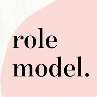 """// MAWENA & CO // 🌸  . .  🇫🇷 Avoir un role model, ça prouve que c'est possible. Il y a toujours une femme qui a été la première à entreprendre, à réussir à faire quelque chose - petite ou grande victoire. Etre role modèle signifie inspirer les autres, les motiver pour leur montrer la voie. Parce que avoir un modèle dans la vie, ça nous permet de nous projeter, de voir ce dont quoi nous sommes capables si nous nous en donnons les moyens. Ca nous pousse à nous dépasser, à avoir de l'ambition. Chez Mawena, on parle souvent de femmes inspirantes à travers les """"She is Mawena"""", on fait des portraits de femmes qu'on considère comme des role models. Il ne faut tout de même pas oublier que chacun est unique, et que notre réussite nous est propre, et doit se faire à son rythme, mais les role models sont là pour nous remotiver lors des coups de blues. . 👉 Qui sont vos role models ? . . 🇬🇧 Having a model proves us that it is possible. There is always a woman who was the first to undertake, to succeed in doing something - small or big victory. Being role model means inspiring others, motivating them to lead the way. Because when you have a model in life, it allows you to project yourself, to see what we are capable of if we are giving the means. It pushes us to surpass ourselves, to have ambition. At Mawena, we often talk about inspiring women through """"She is Mawena"""", we do portraits of women that we consider as models. We must not forget that everyone is unique, and that our success is our own, and that we have to pace ourselves, but role models are there for us when we are away from blues. . 👉 Who are your role models ? . . #mawena #veganbeauty #organicskincare #greenbeauty #indiebrand #confidentbeauty #beautenaturelle #beauteengagee #ethicalbeauty #ethicallymade #cosmetiquebio #rolemodel"""