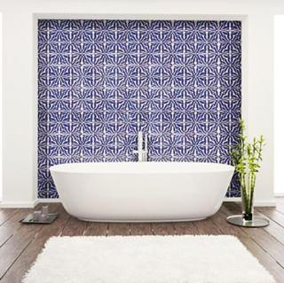 // MAWENA & CO // 🌸 . . 🇫🇷 On adore les salles de bain qui nous rappellent l'été et les vacances, pas vous ?🌴 . . 🇬🇧 We love bathrooms that remind us of summer and holidays, don't you? 🌴 . . #mawena #veganbeauty #organicskincare #greenbeauty #indiebrand #confidentbeauty #beautenaturelle #beauteengagee #ethicalbeauty #ethicallymade #cosmetiquebio