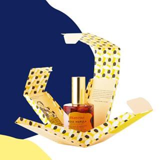 // MAWENA & CO // 🌸 . .  🇫🇷 Saviez-vous que l'huile de Marula, présente dans notre sérum, protège la peau de la déshydratation et freine les pertes en eau de l'épiderme ? . Elle nourrit, adoucit et assouplit la peau, grâce à sa richesse en acides gras oméga-9 et oméga-6. Particulièrement riche en antioxydants, elle lutte également contre le vieillissement prématuré de la peau et aide à maintenir tonicité et élasticité cutanée. 😍 . . . 🇬🇧 Did you know that Marula oil, present in our serum, protects the skin from dehydration and slows the water loss of the epidermis? . It nourishes and softens the skin, thanks to its richness in omega-9 and omega-6 fatty acids. Particularly rich in antioxidants, it also fights premature aging of the skin and helps maintain skin tone and elasticity. 😍 . . #mawena #veganbeauty #organicskincare #greenbeauty #indiebrand #confidentbeauty #beautenaturelle #beauteengagee #ethicalbeauty #ethicallymade #cosmetiquebio